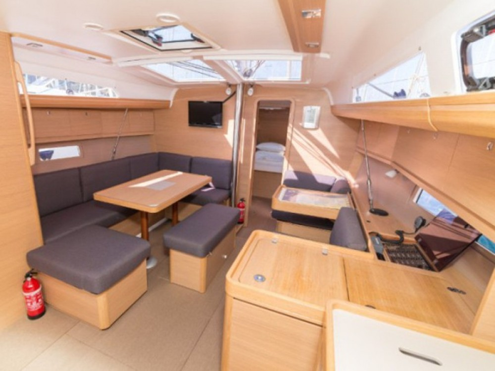 Boat rental  cheap Dufour 412