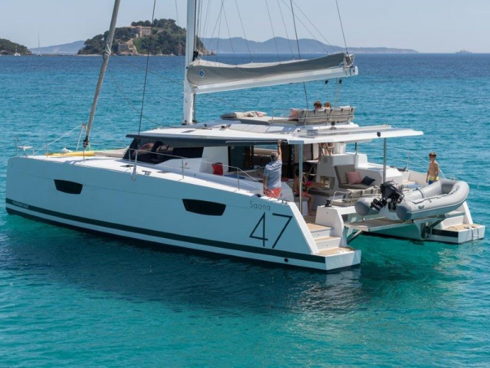 Boat rental Fountaine Pajot Saona 47 in Alimos Marina on Samboat