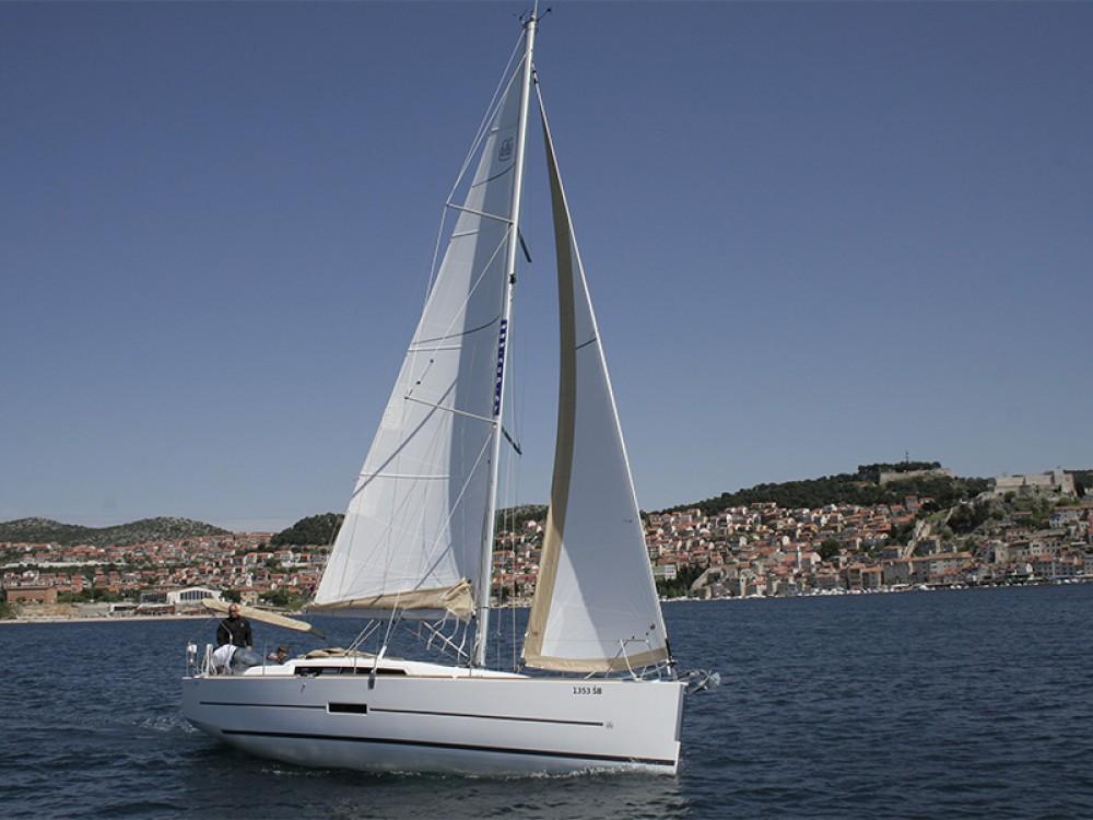 Location bateau Sibenik pas cher Dufour 350 Grand Large