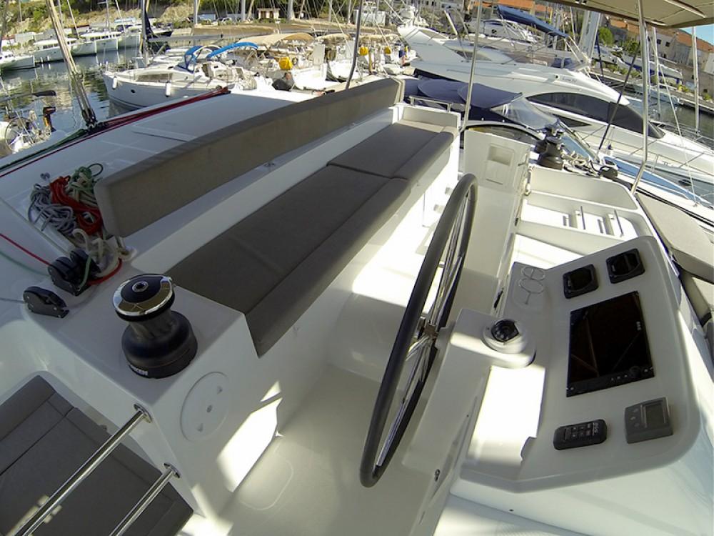 Louer Catamaran avec ou sans skipper Lagoon à Sibenik
