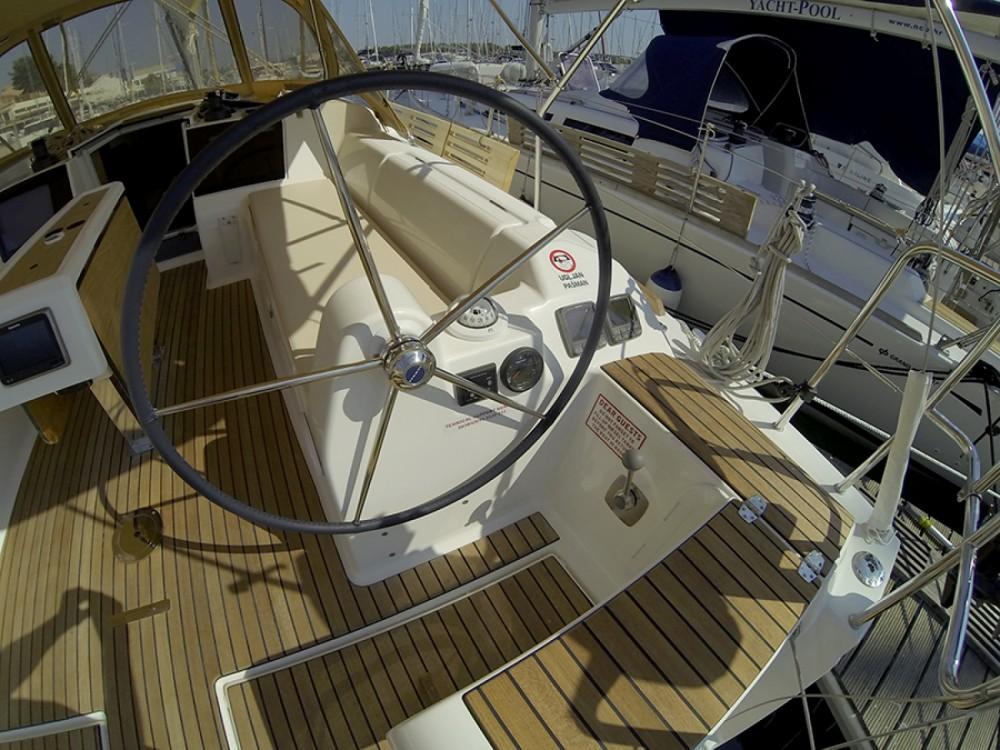 Location bateau Sibenik pas cher Dufour 382 Grand Large