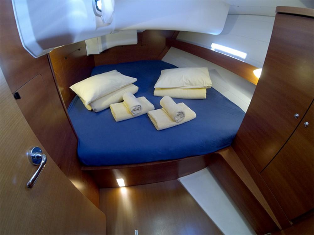 Location bateau Sibenik pas cher Dufour 445 Grand Large