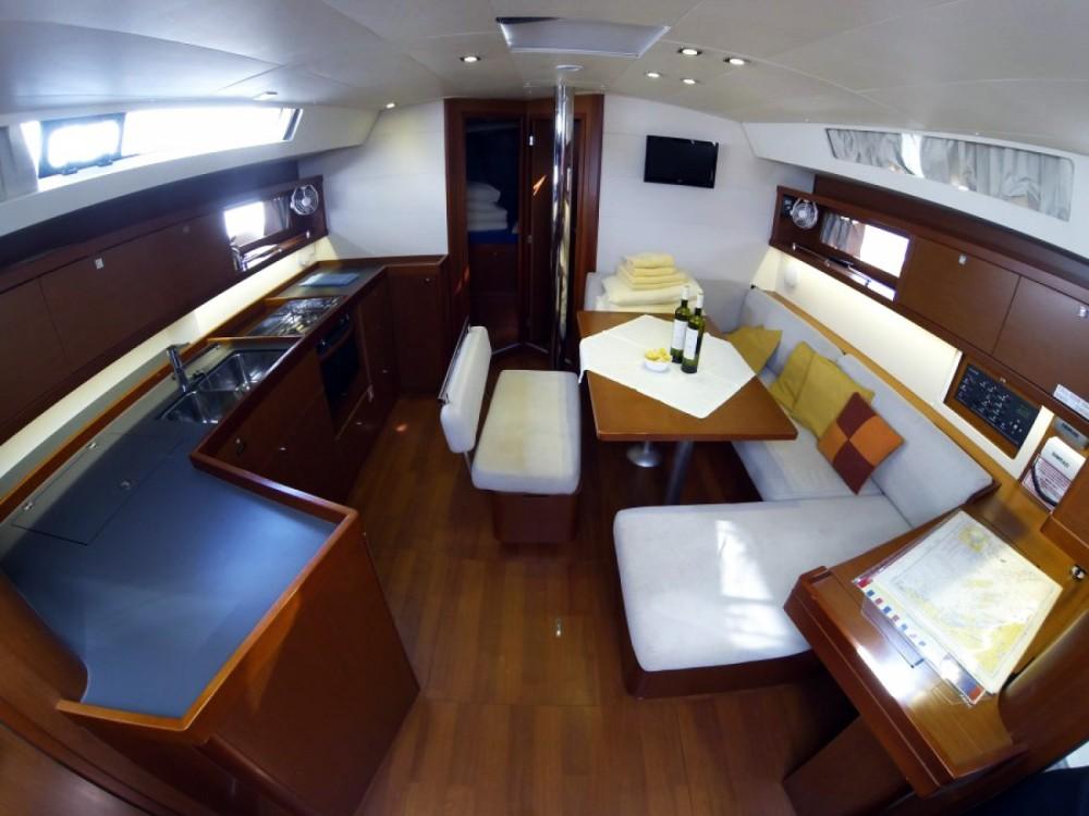 Location bateau Sibenik pas cher Oceanis 45