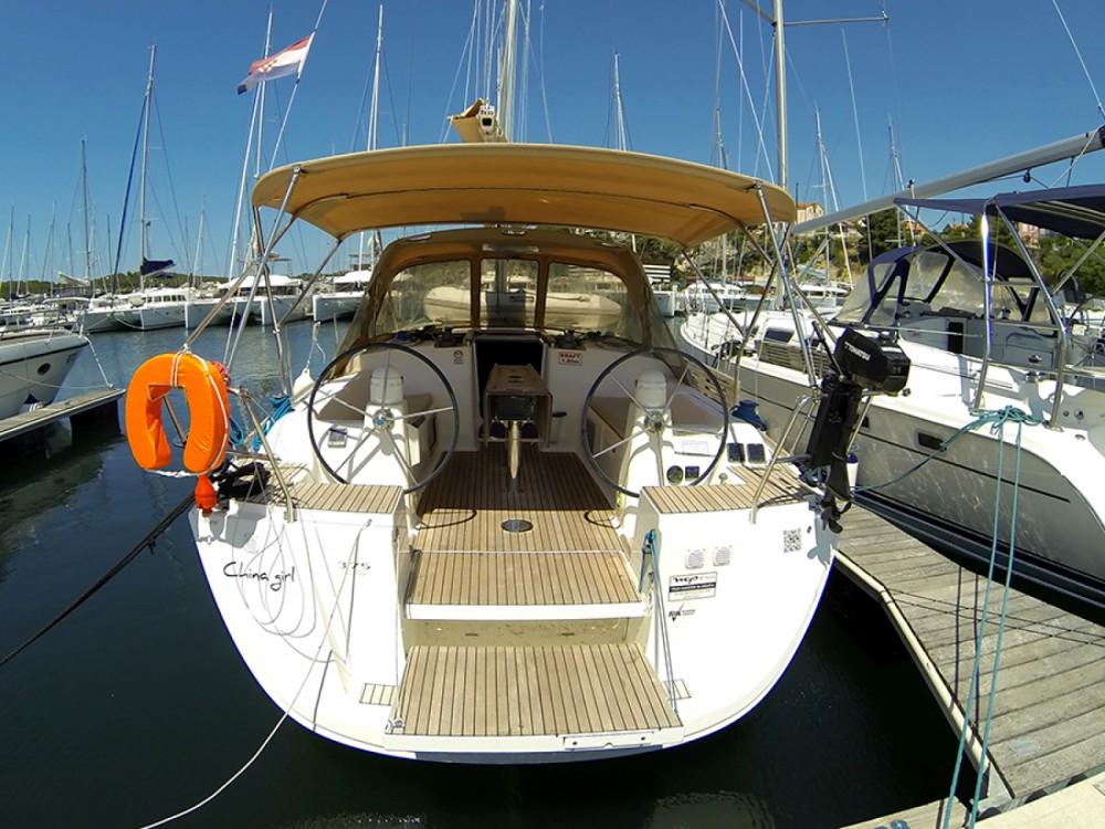 Location bateau Dufour Dufour 375 GL à Sibenik sur Samboat