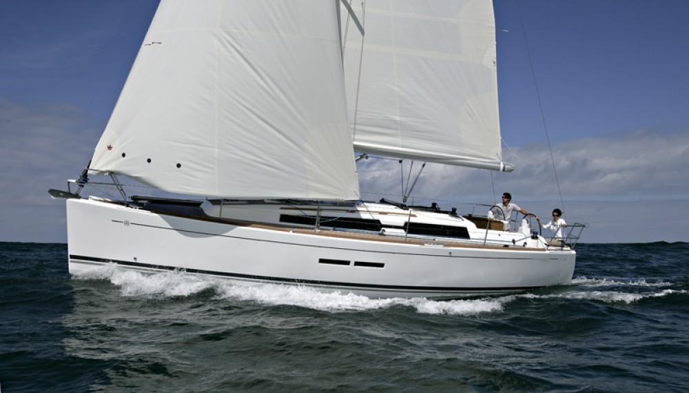 Location bateau Sibenik pas cher Dufour 375 GL