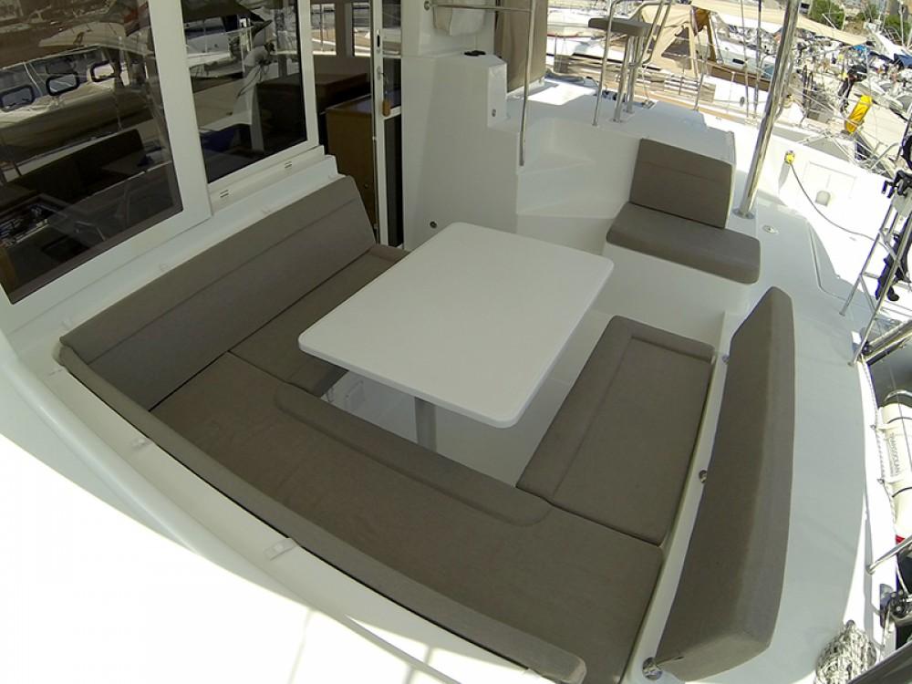 Location bateau Sibenik pas cher Lagoon 39
