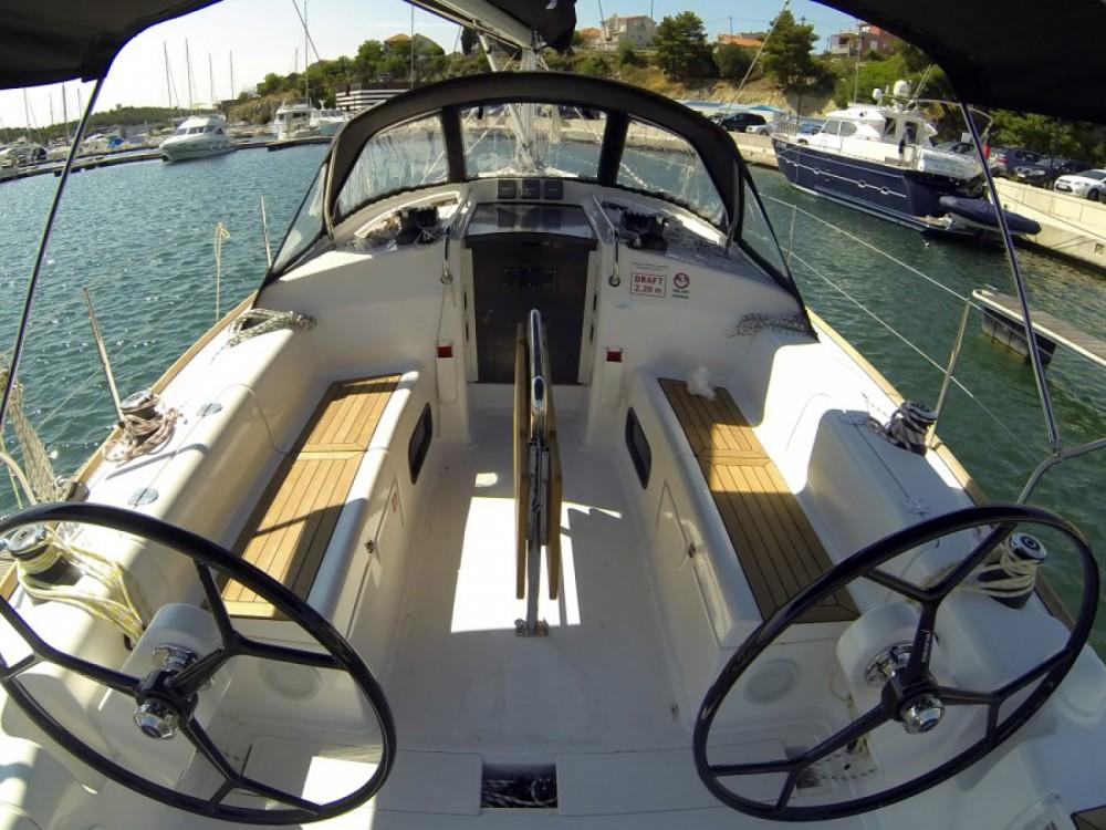 Location bateau Salona Salona 38 à Sibenik sur Samboat