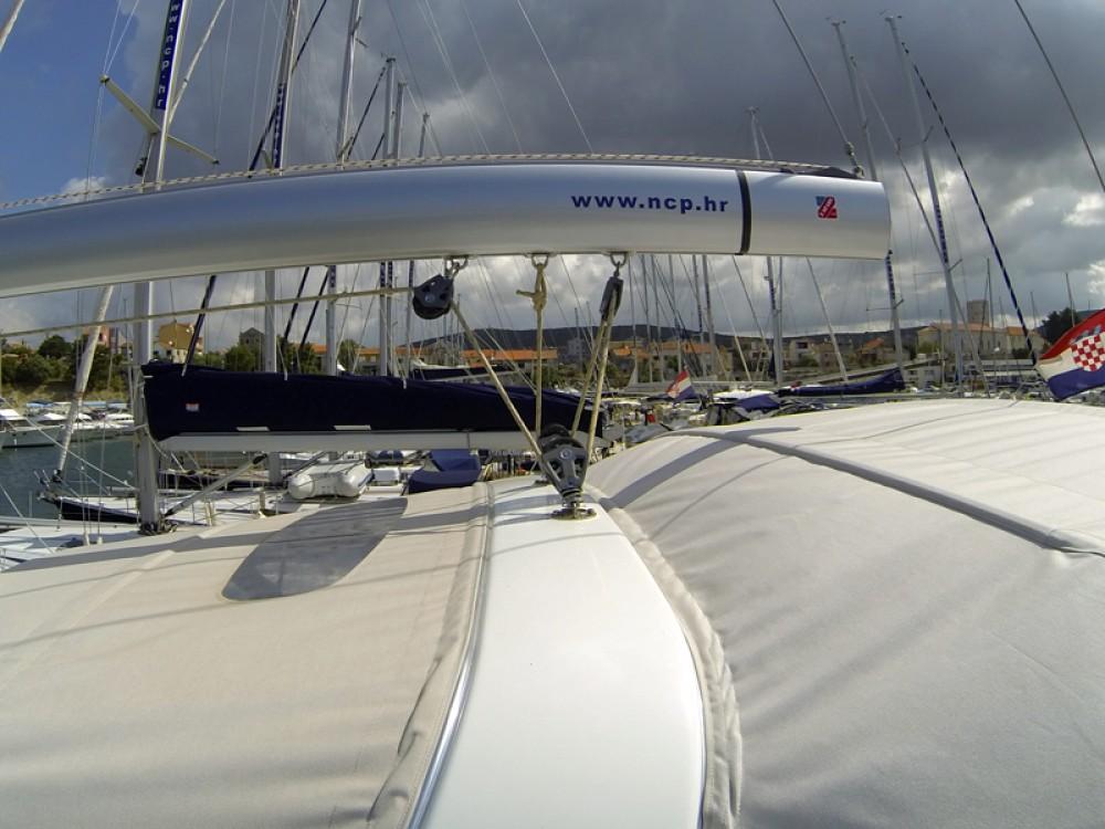 Location bateau Bénéteau Oceanis 50 à Sibenik sur Samboat