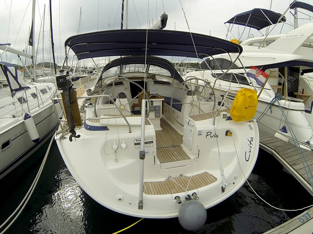 Louez un Bavaria Bavaria 46 Cruiser à Sibenik