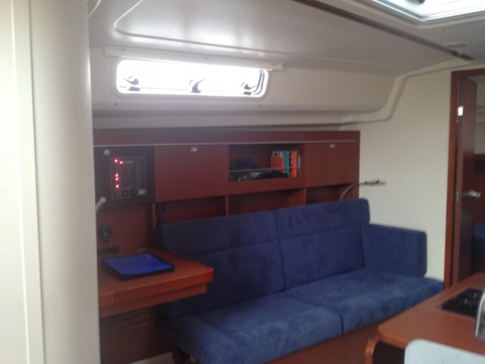 Location bateau Hanse Hanse 385 à Vila Franca do Campo sur Samboat