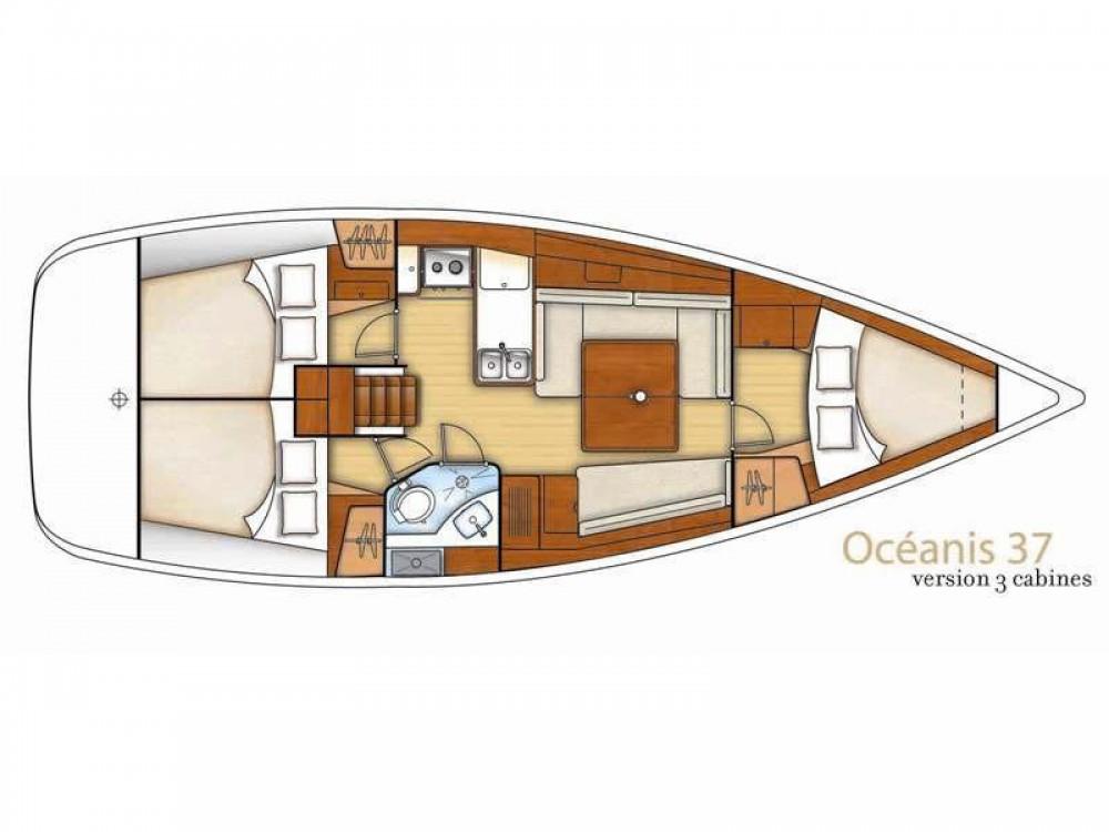 Louez un Bénéteau Oceanis 37 à Sukošan