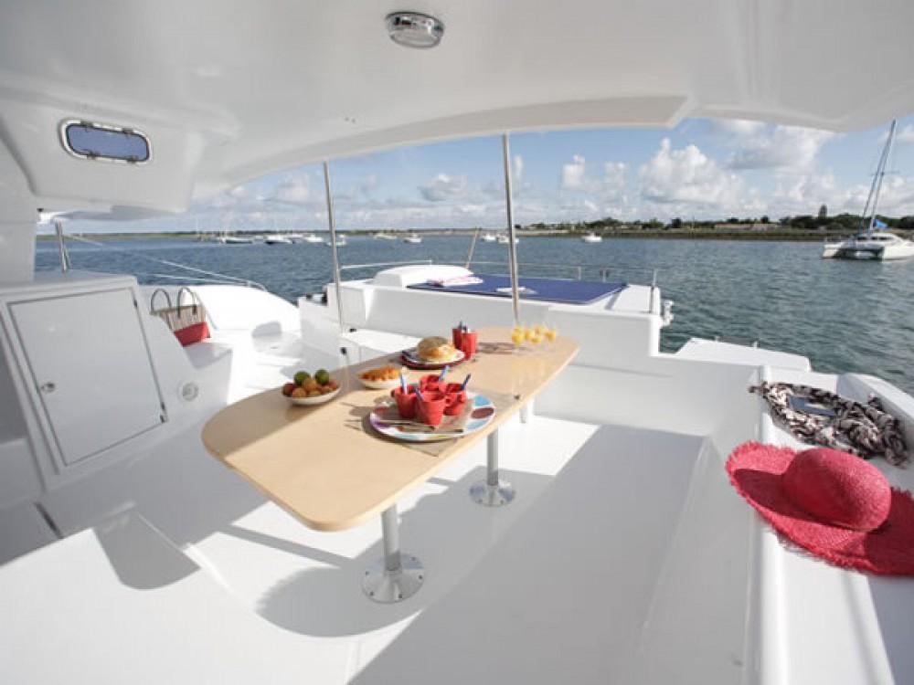 Location bateau Fountaine Pajot Salina 48 à Marina Gouvia sur Samboat