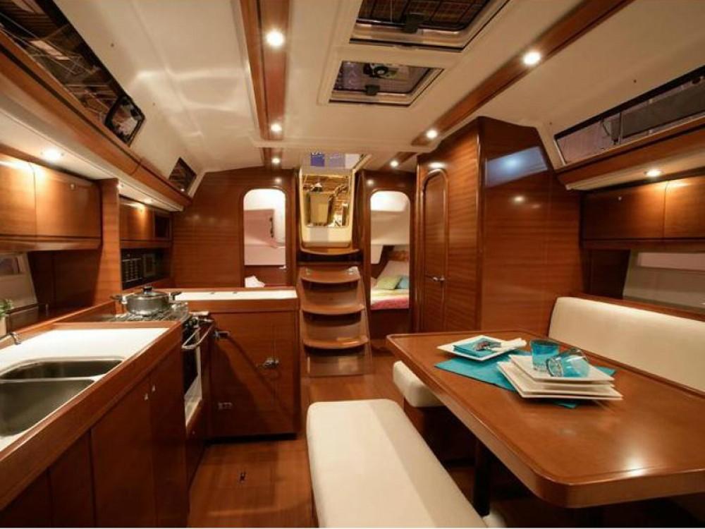 Rental Sailboat in Marina Gouvia - Dufour Dufour 405