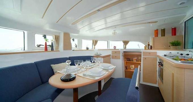 Location bateau Lagoon Lagoon 380 à Marina Gouvia sur Samboat