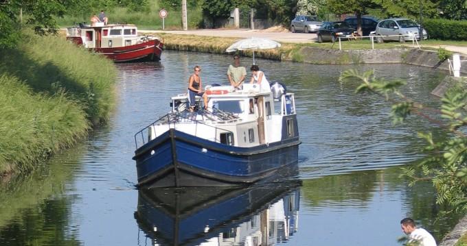 Rental Motor boat in Vermenton - Bavaria EuroClassic 129