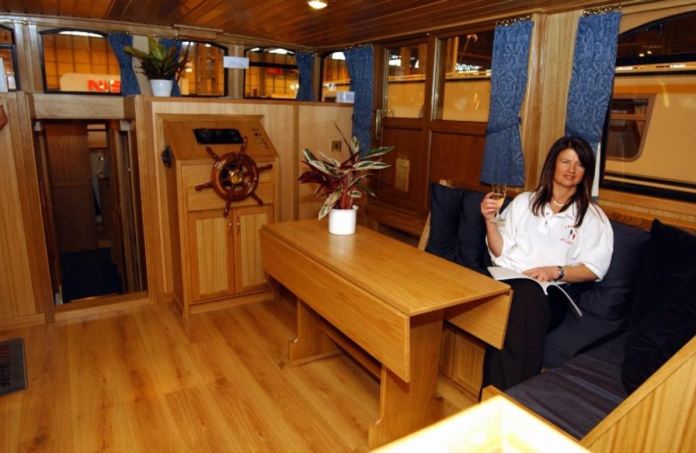 Louer Bateau à moteur avec ou sans skipper Bavaria à Capestang