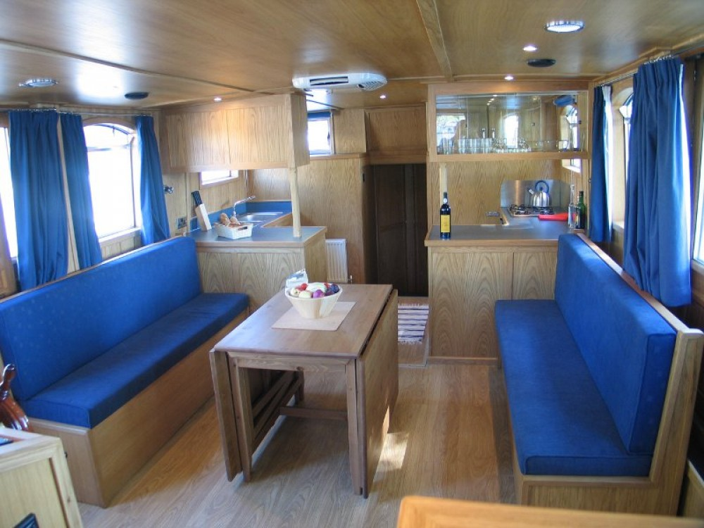 Hire Motor boat with or without skipper Bavaria Capestang