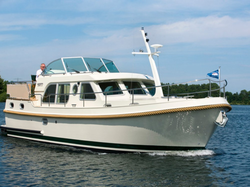 Rental yacht Tonnerre - Linssen Linssen 34.9AC on SamBoat