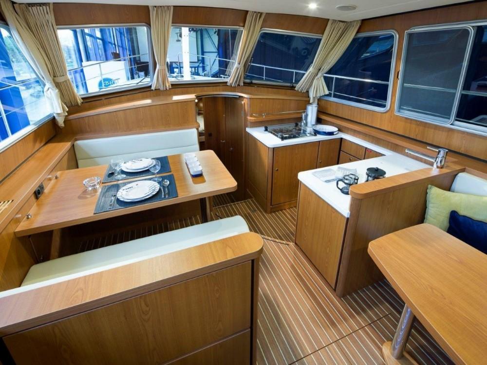 Rental yacht Trogir - Linssen Linssen 410 on SamBoat