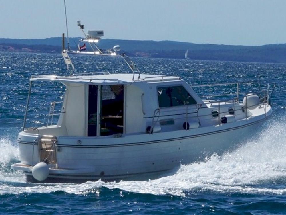 Rental Motor boat in Marina Zadar - Sas Vektor ADRIA 1002