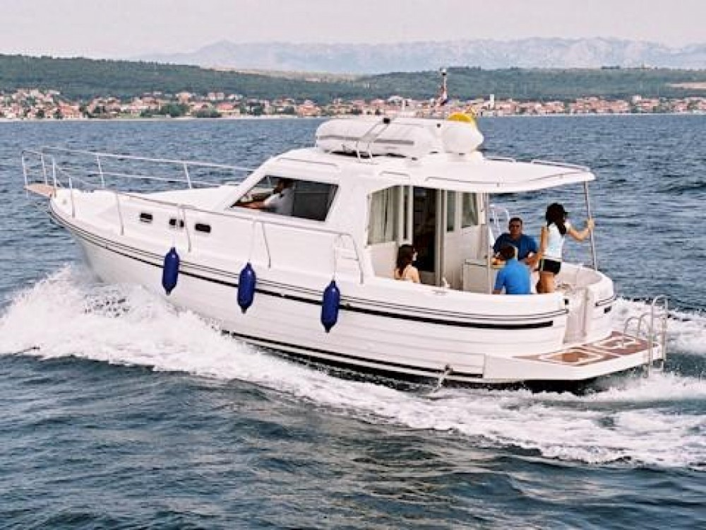 Boat rental Marina Zadar cheap ADRIA 1002