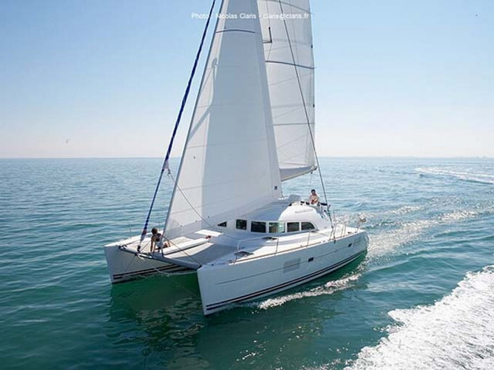 Rental Catamaran Lagoon with a permit