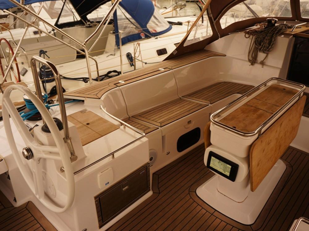 Location bateau Elan Elan 50 Impression à Μαρίνα Αλίμου sur Samboat