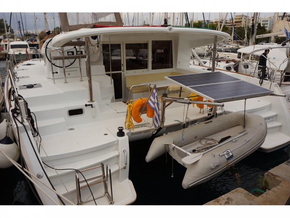 Location bateau Μαρίνα Αλίμου pas cher Lagoon 400 S2