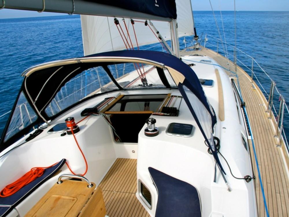 Louer Voilier avec ou sans skipper Jeanneau à Nettuno