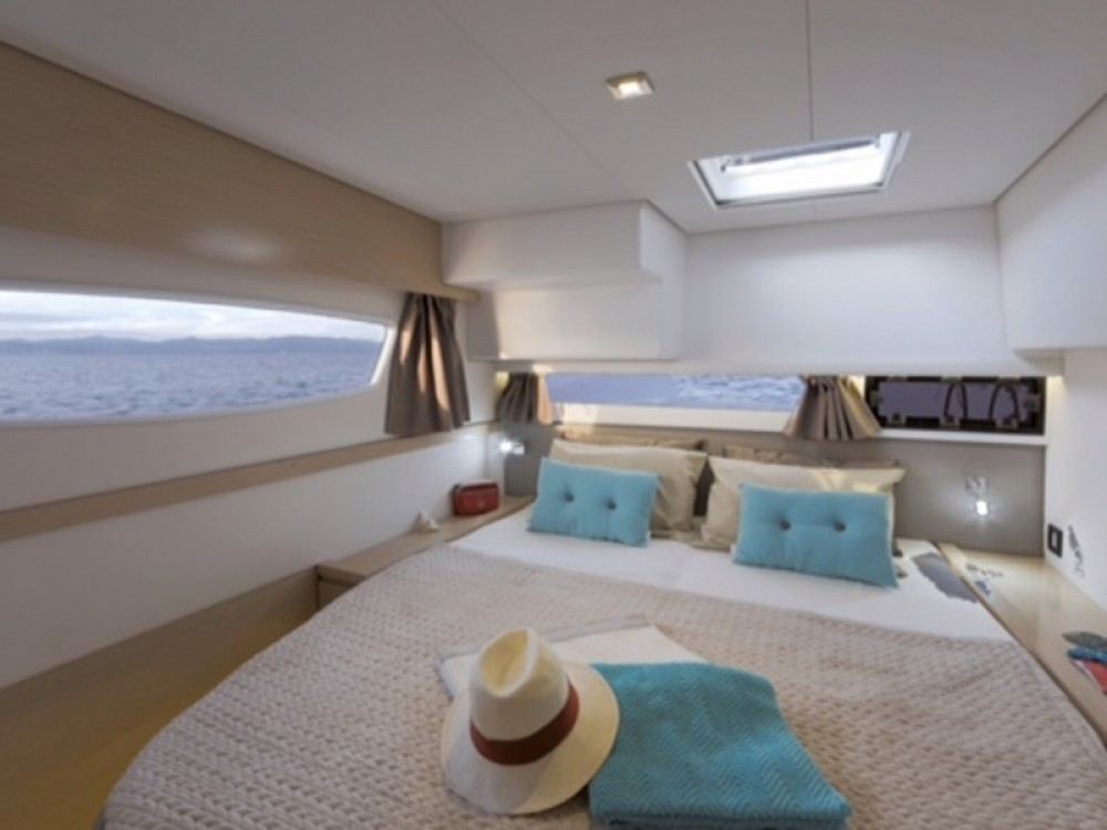 Location yacht à Cannigione - Fountaine Pajot Saba 50 sur SamBoat