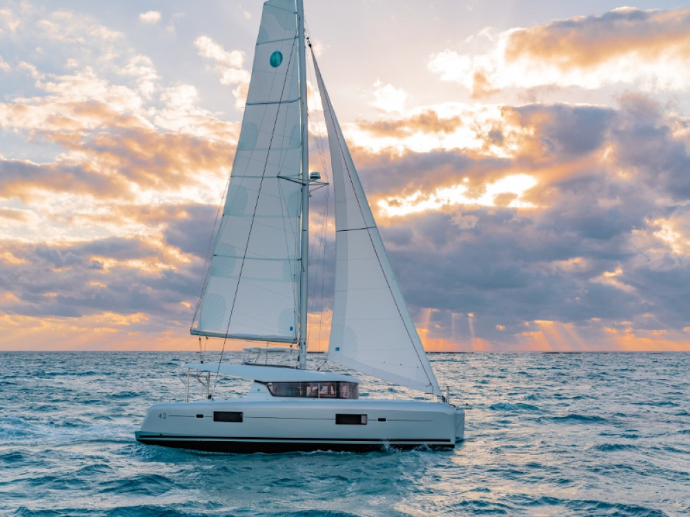 Rental Catamaran in Ao Po Grand Marina - Lagoon Lagoon 42 -Owner's Version