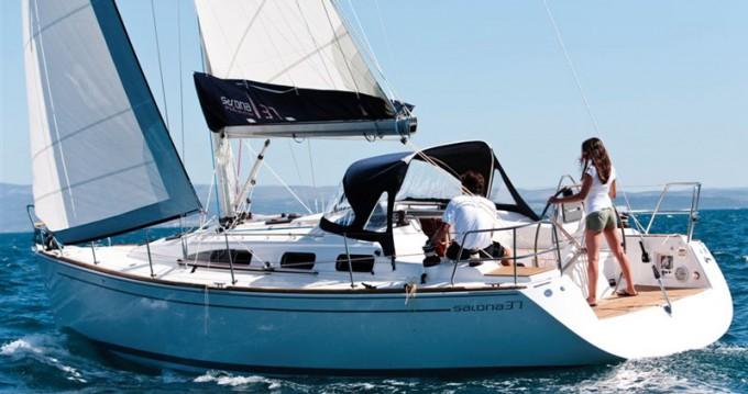 Noleggio Barca a vela con o senza skipper Salona Carloforte