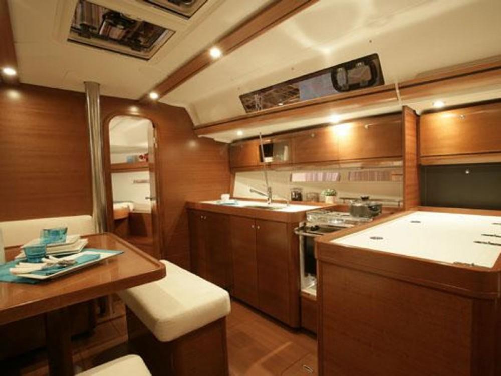 Rental Sailboat in U Pàize/Carloforte - Dufour Dufour 405 GL