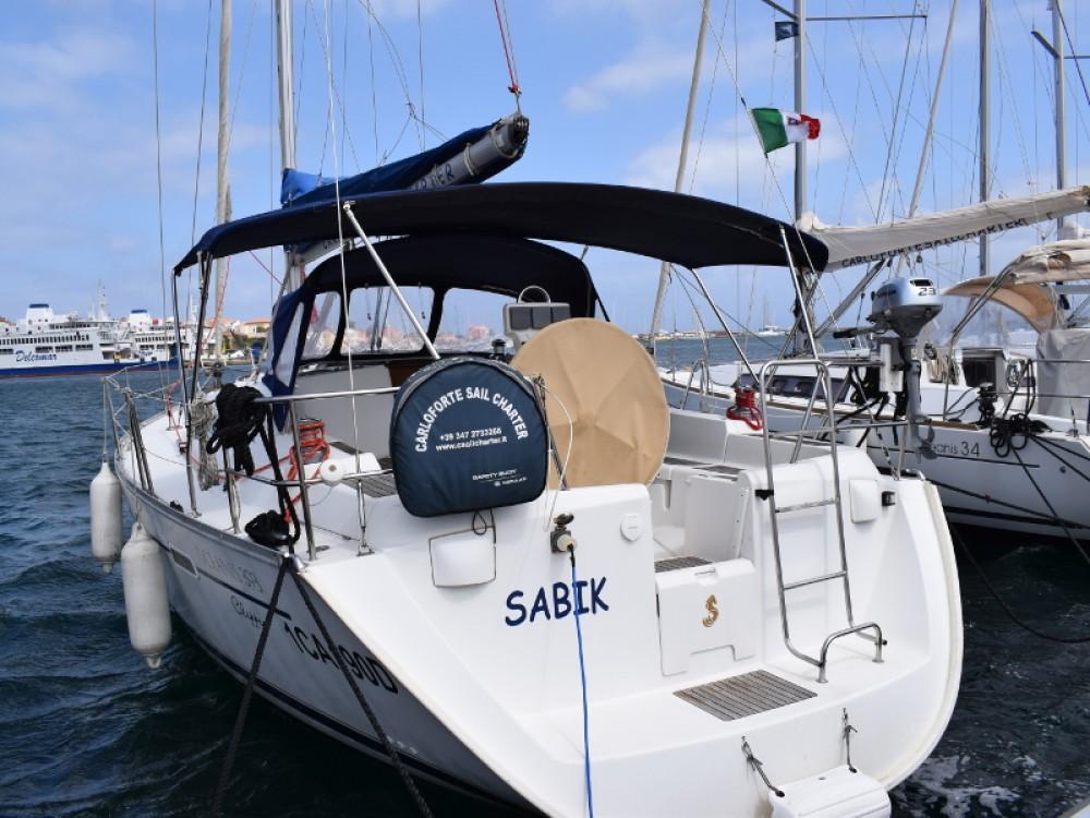 Location bateau U Pàize/Carloforte pas cher Oceanis 393 Clipper