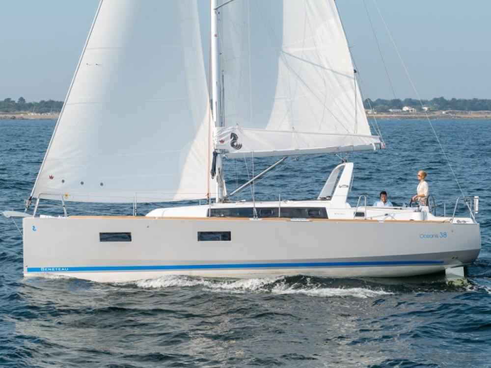Location yacht à U Pàize/Carloforte - Bénéteau Oceanis 38 sur SamBoat