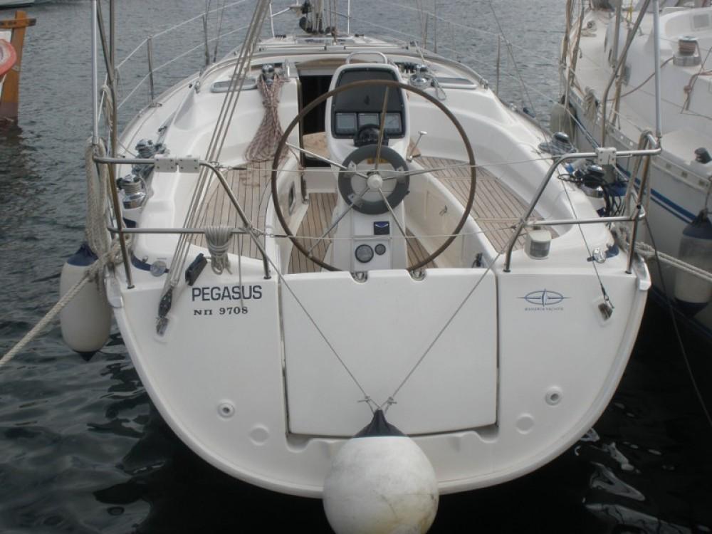 Location bateau Marina de Alimos pas cher Bavaria 31
