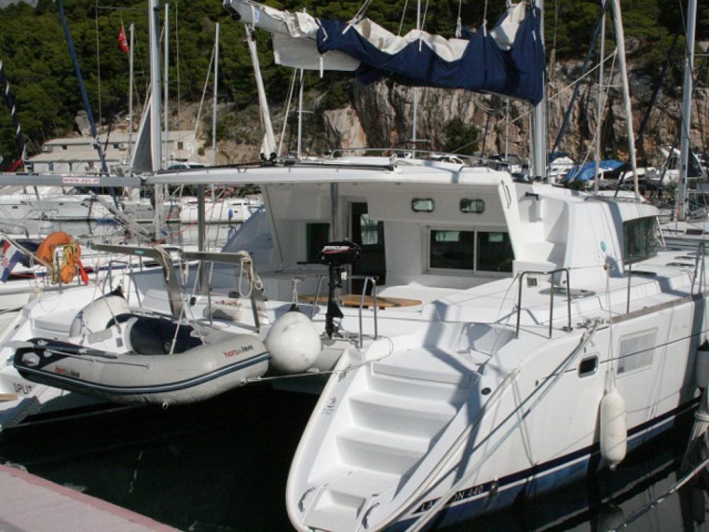 Louer Catamaran avec ou sans skipper Lagoon à ACI Marina Trogir