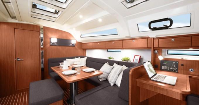 Louez un Bavaria Cruiser 41 à Ponta Delgada