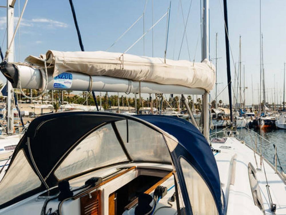 Louez un Bénéteau Oceanis 43 à Port Olímpic