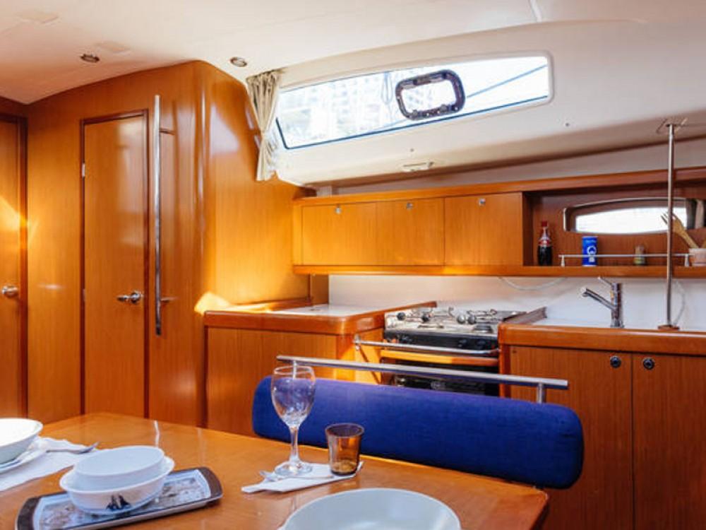 Location bateau Bénéteau Oceanis 43 à Port Olímpic sur Samboat