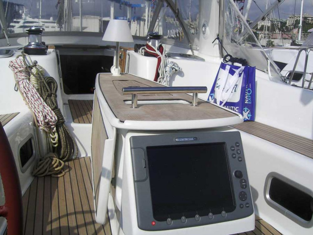 Location bateau Bénéteau Oceanis 50 Family à Follonica sur Samboat