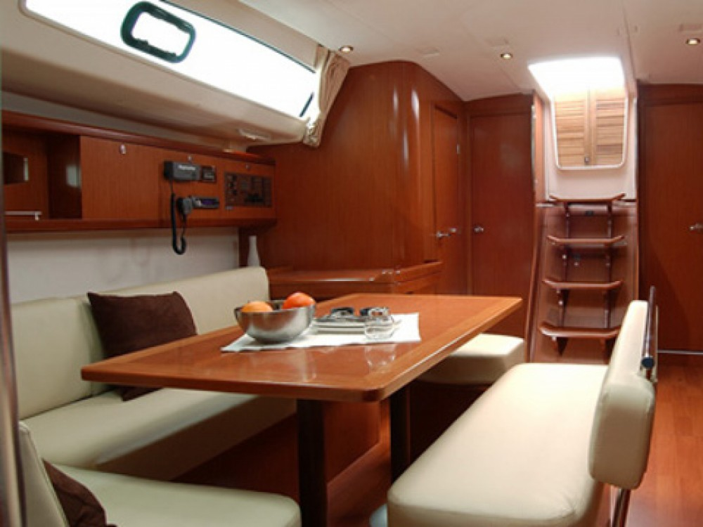 Bénéteau Oceanis 46 between personal and professional Follonica