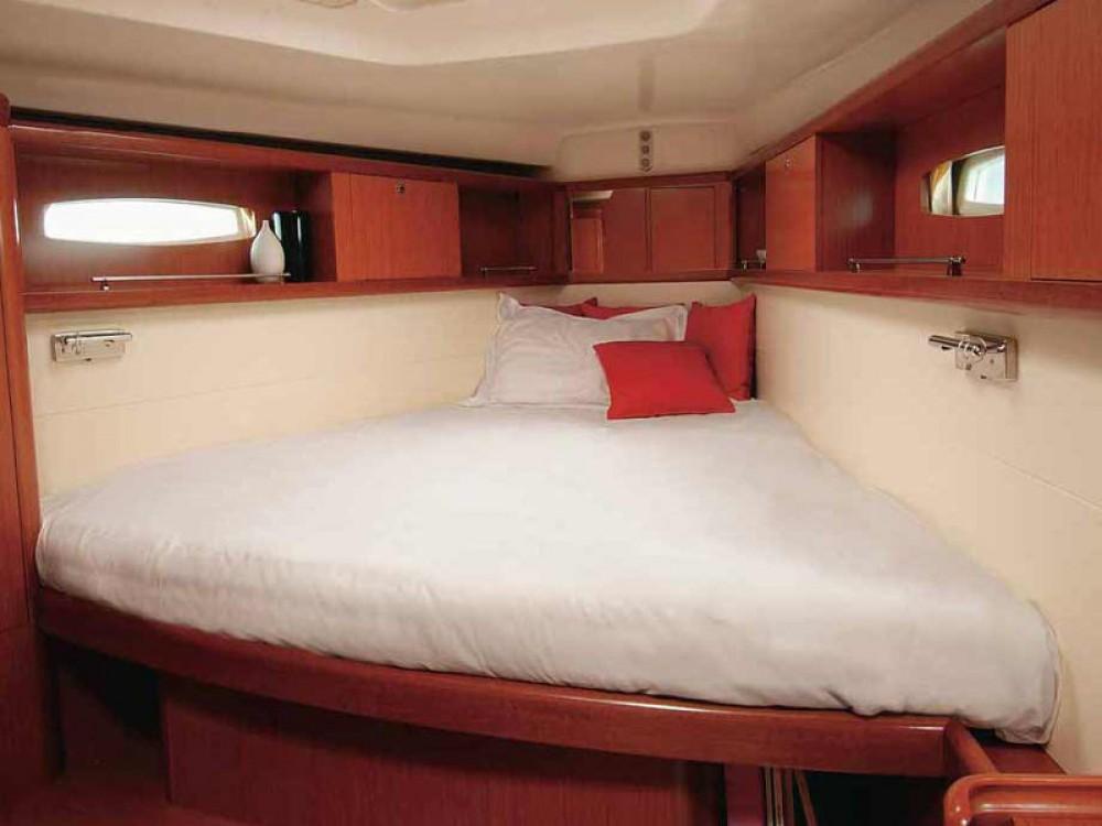 Rental yacht Follonica - Bénéteau Oceanis 46 on SamBoat