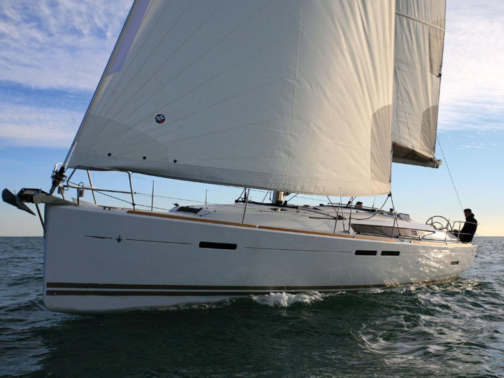 Hire Sailboat with or without skipper Jeanneau Dénia