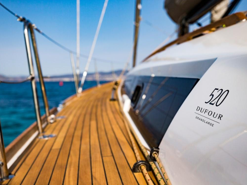 Rental Sailboat in Primošten - Dufour Dufour 520 GL