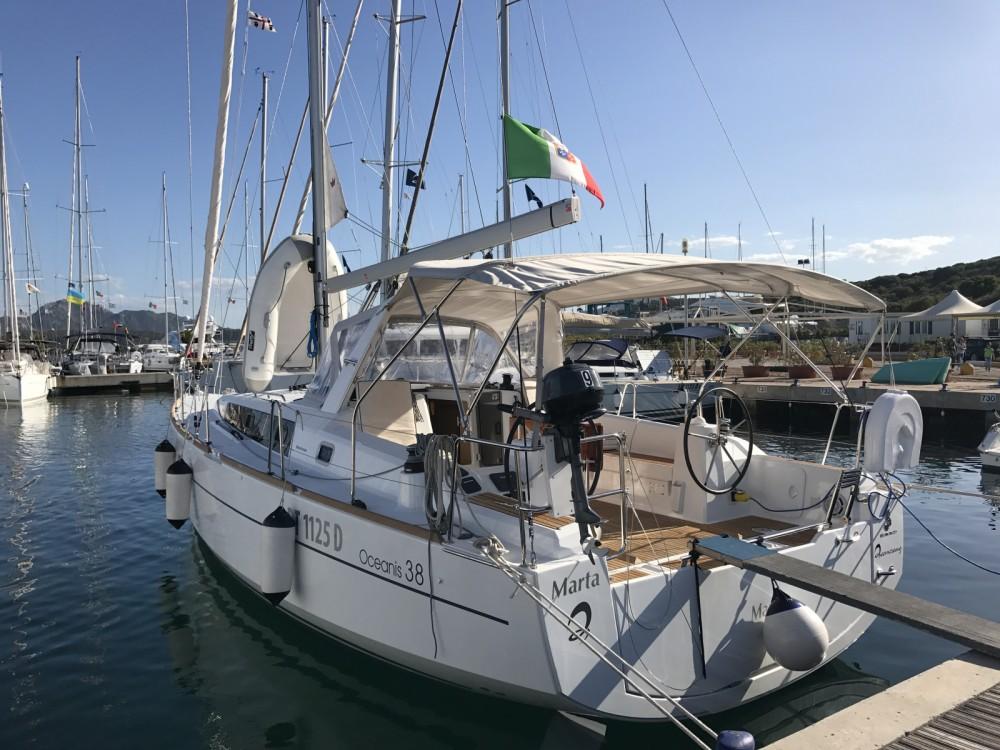 Louez un Bénéteau Oceanis 38 à Marina di Portisco