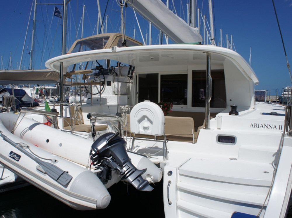 Boat rental Lagoon Lagoon 400 in Marina di Portisco on Samboat