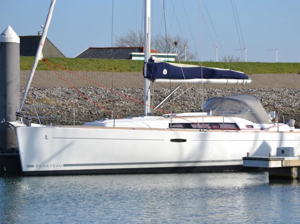 Location bateau Bénéteau Oceanis 37 à Marina di Portisco sur Samboat