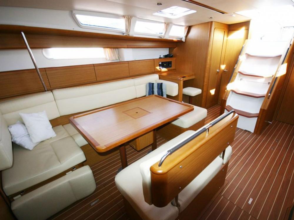 Location bateau Marina di Portisco pas cher Sun Odyssey 49i