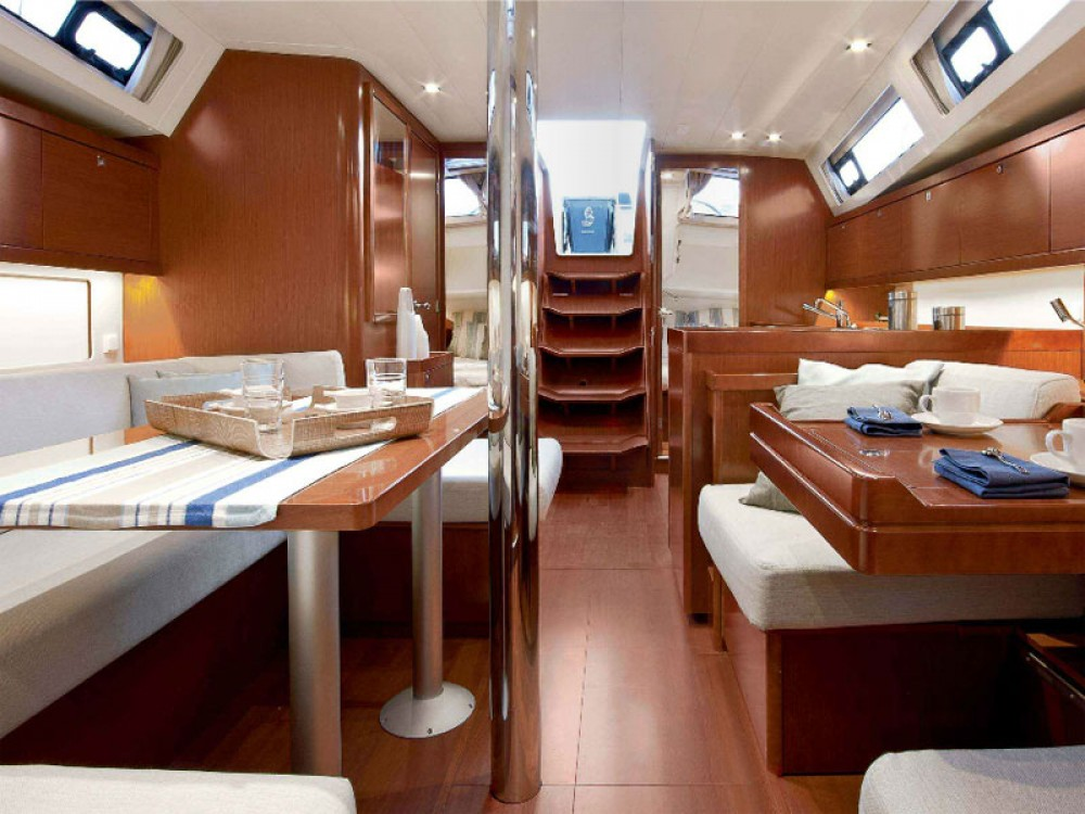 Location yacht à Marina de Alimos - Bénéteau Oceanis 41 sur SamBoat